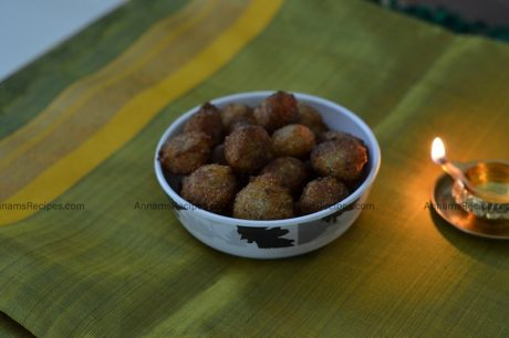 Rava-Sweet-Seedai-Rava-Seedai-Recipe